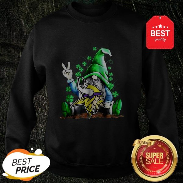 Nice Lucky Gnomes Hug Minnesota Vikings St Patrick's Day Sweatshirt