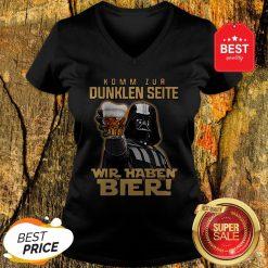 Nice Darth Vader Komm Zur Dunklen Seite Wir Haben Bier V-Neck