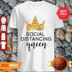 Pretty Crown Social Distancing Queen Coronavirus Shirt - Design By Refinetee.com