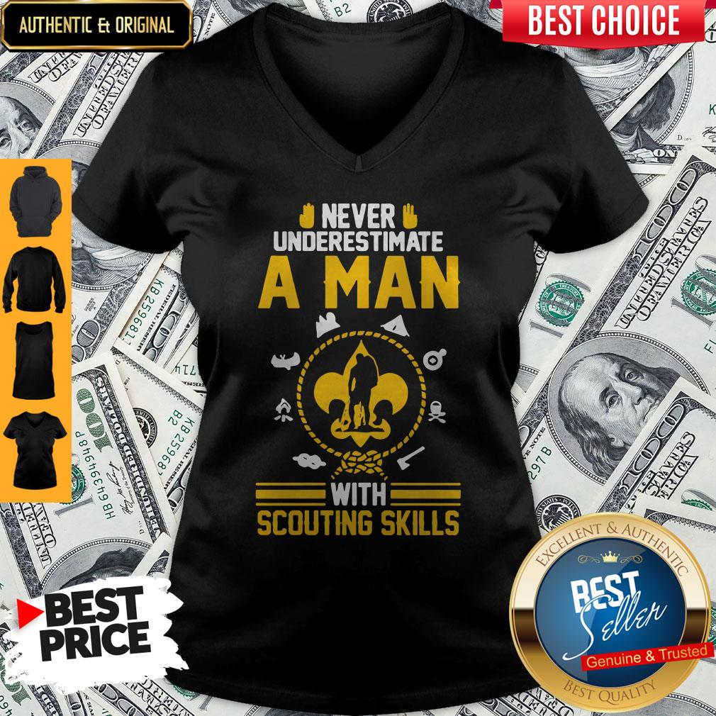 Nice Never Underestimate A Man With Scouting Skills V-neck