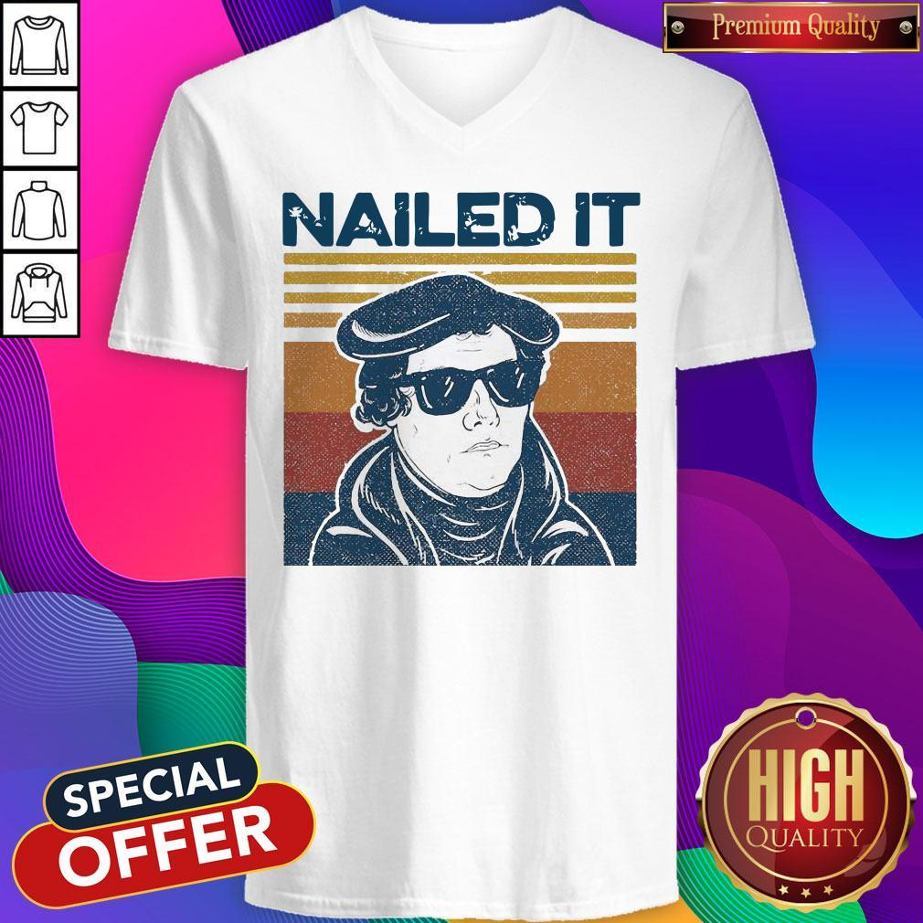 Beautiful Look At Me Nailed It Vintage V-neck