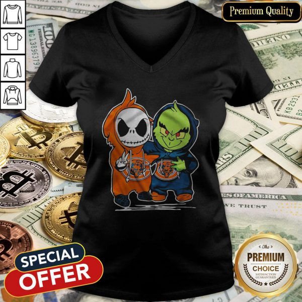 Baby Skeleton And Baby Grinch Chicago Bears V-neck