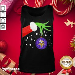 Good The Grinch Hand Holding Ornament Minnesota Vikings Christmas Sweater Tank-Top - Design By Refinetee.com