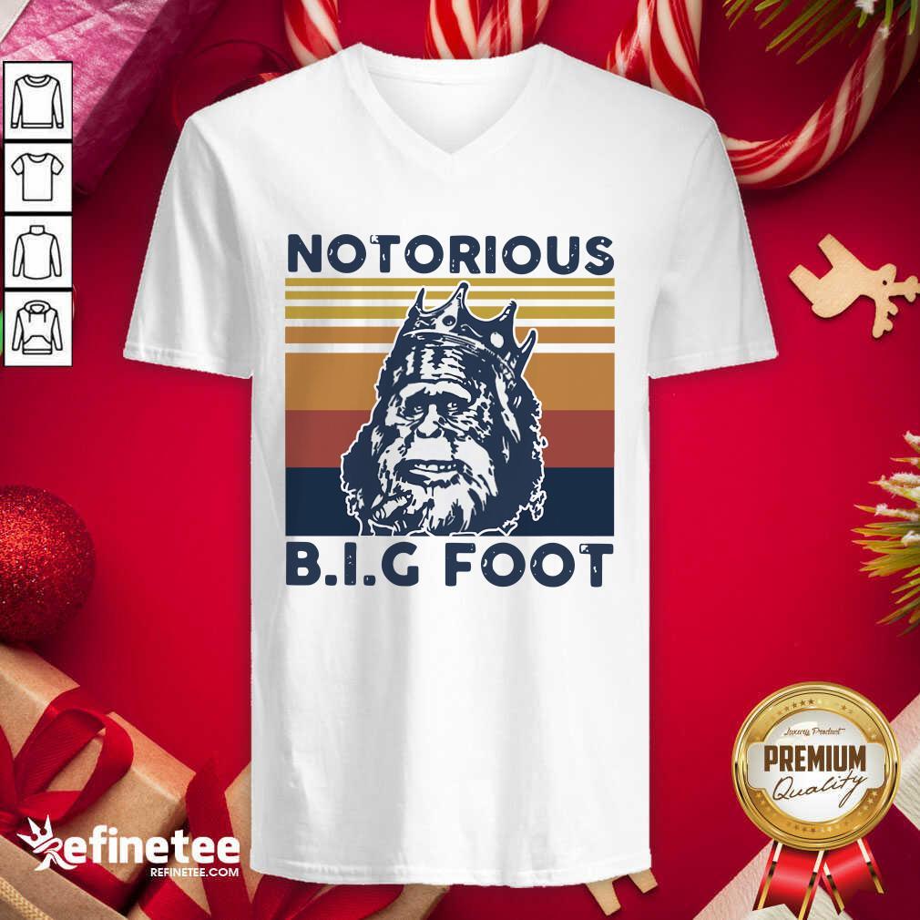 Notorious Bigfoot King Vintage V-neck - Design By Refinetee.com