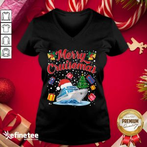 Good Merry Cruisemas Family Cruise Christmas 2020 Santa Hat V-neck - Design By Refinetee.com