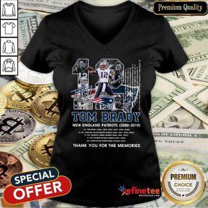 Lovely Number 12 Tom Brady New England Patriots 2000 2019 Signature V-neck